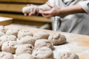 Backen in der Mühlenbäckerei Zippel auf Haus Bollheim